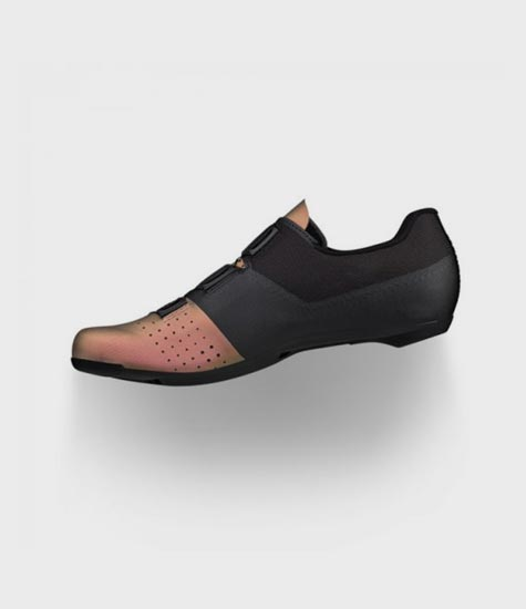Save up to $50 off full price Fizik cycling shoes