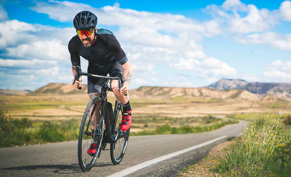 5 Benefits of Road Bikes vs Exercise Bikes